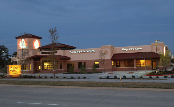 121 Animal Hospital Building Outside